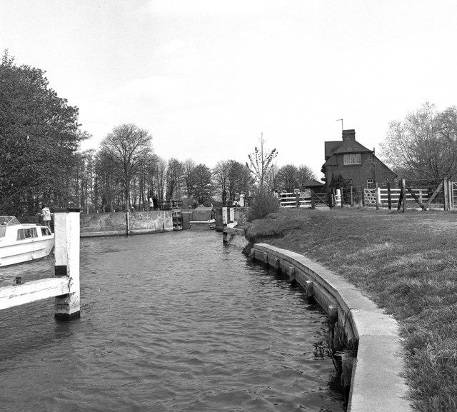 Abingdon Lock, River Thames