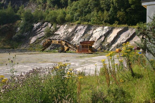 Disused Quarry by B3230