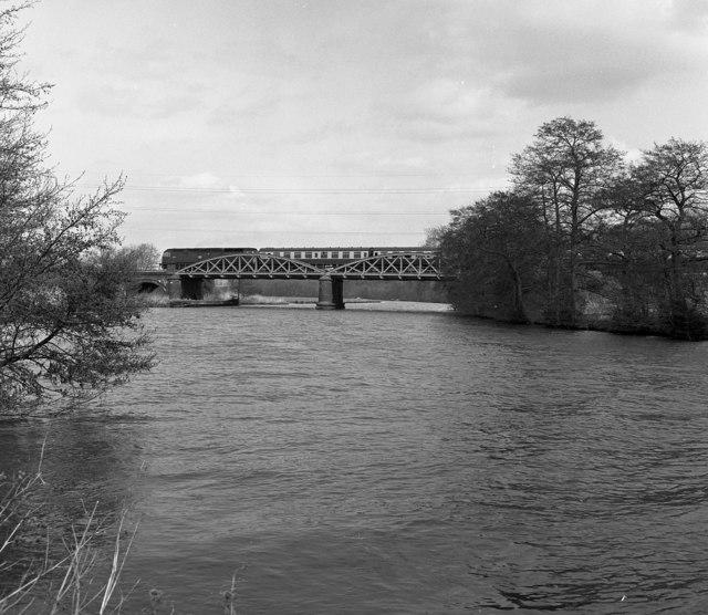 Nuneham Railway Bridge, River Thames