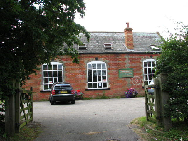 Entrance to Broadlands Arts Centre