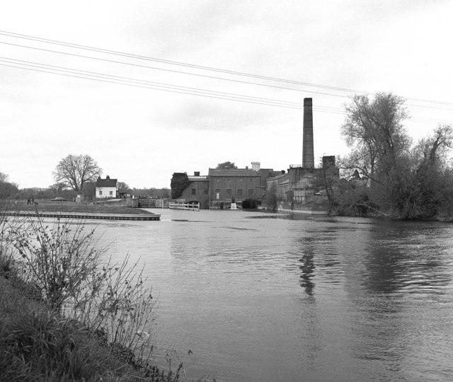 Sandford Lock and Mill, River Thames