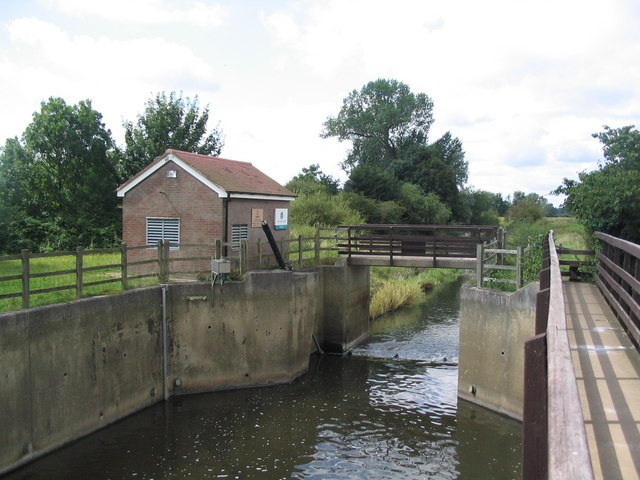 Frisby Control Gate on the River Wreake