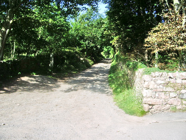 Footpath to Hooker Crag