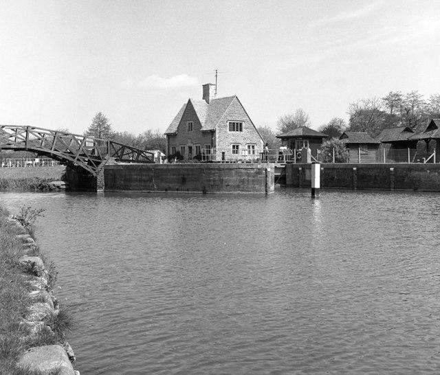 Iffley Lock, River Thames