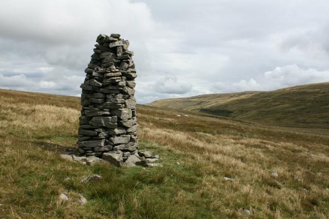 Cairn at Buttertubs Pass.