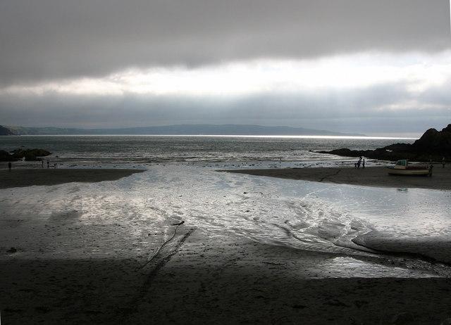 The beach at Pwllgwaelod