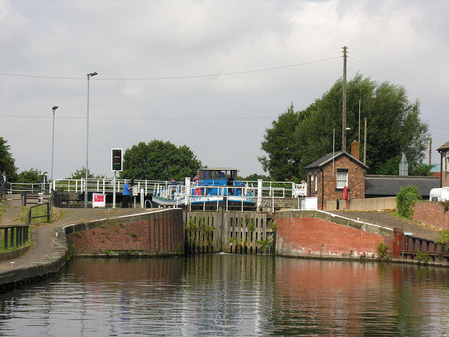 Thorne Lock  (closed) from east