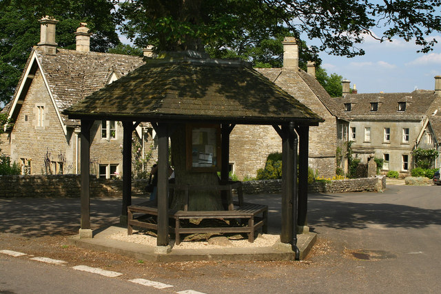 Miserden Wooden Shelter