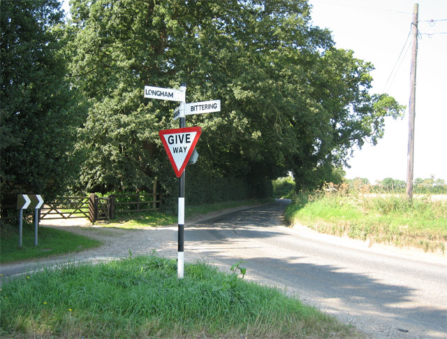 Junction triangle next to The Old Rectory, Longham