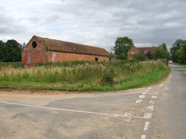 Road junction, Moorby