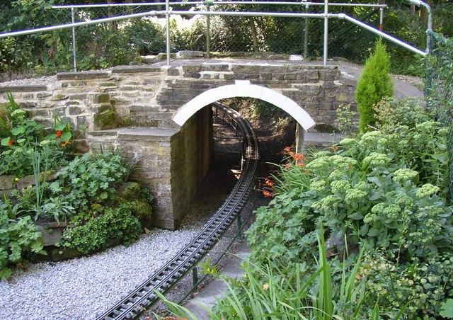Bridge over the miniature railway, Northcliffe Woods, Shipley