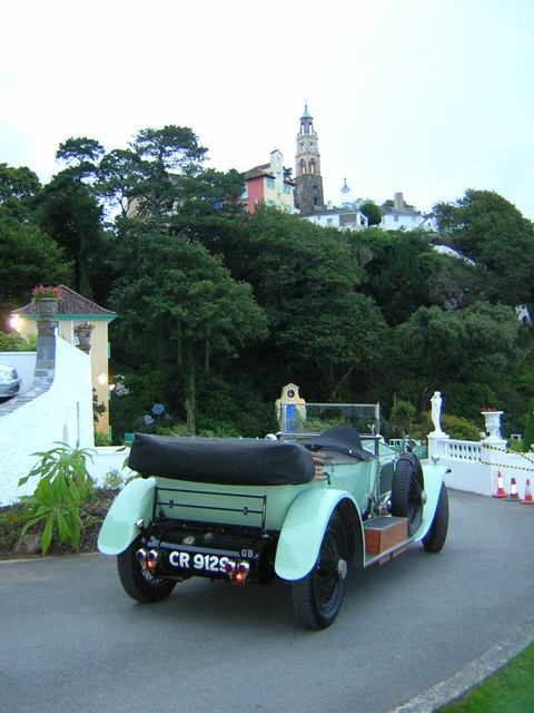 Rolls Royce Silver Ghost  with Portmeirion in the background