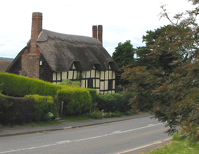 Thatched cottage at Ashperton