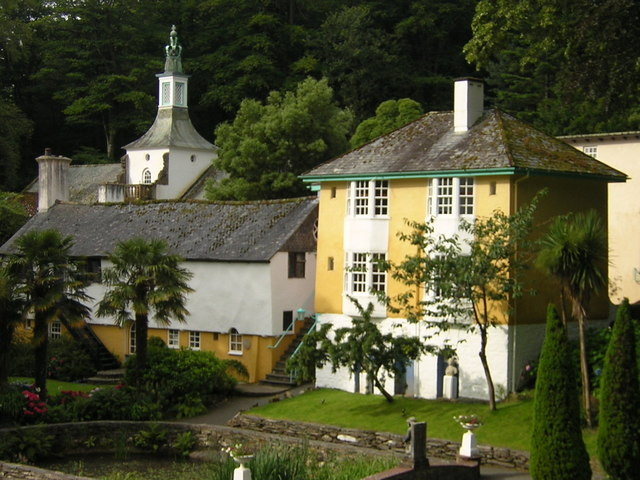 Neptune and Trinity at Portmeirion