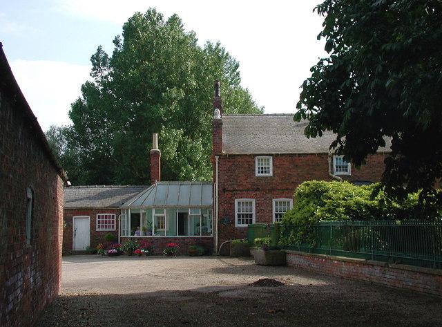 The Manor, Flinton
