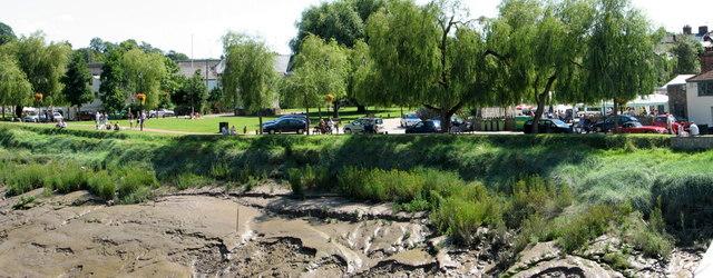 Chepstow - riverbank