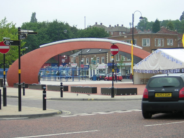 Civic Heart - New sculpture and market place in town