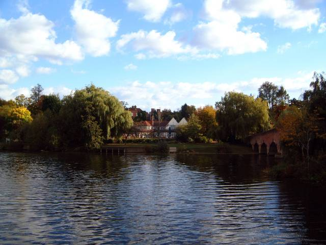 Landscape around Sonning Bridge.