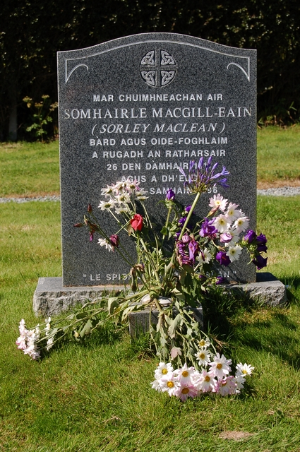 Grave of Shomhairle MacGill-Eain