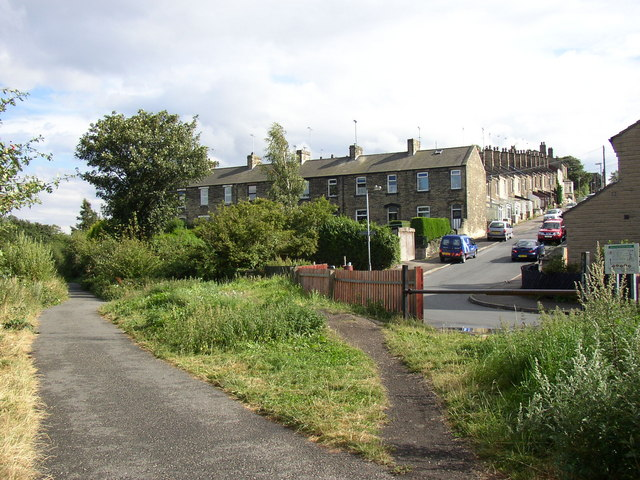 Spen Valley Greenway and Holdsworth Street, Cleckheaton