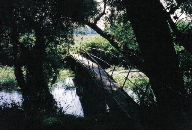 Tarrant Keyneston: bridge over the Stour