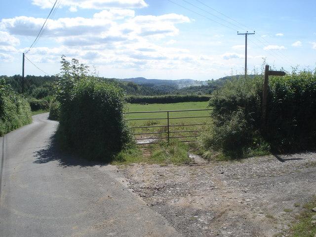 Lane junction at Kiln Green