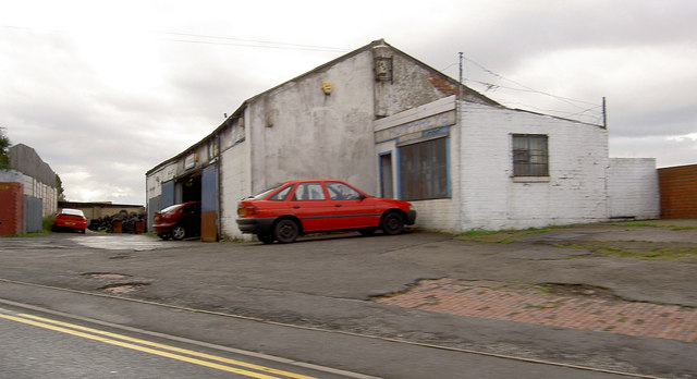 Vic Humphrey's garage on Snape Hill.