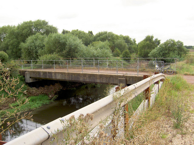Bridge over River Idle at the end of Chain Bridge Lane.