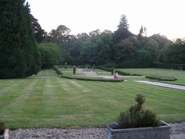 The formal garden, Englemere House