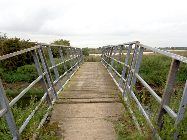Footbridge over the River Idle.
