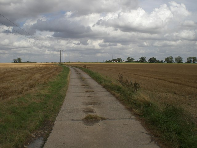Track south of Heath Farm