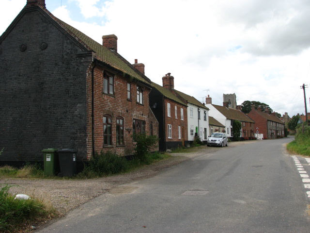 Cottages in Honing Row
