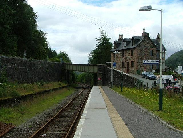 Stromeferry railway platform