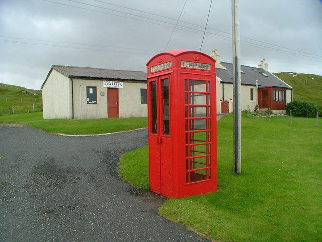 Scarista Post Office and telephone box