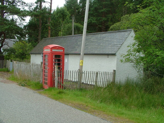 Altnaharra telephone exchange and kiosk, Lairg Road