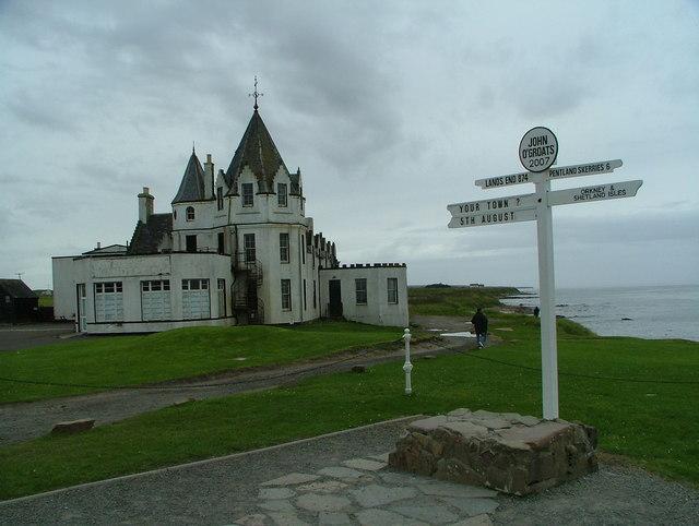 John O'Groats signpost & hotel