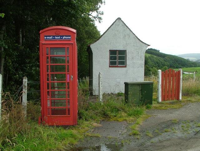Telephone Exchange & kiosk, Bridge of Marnoch