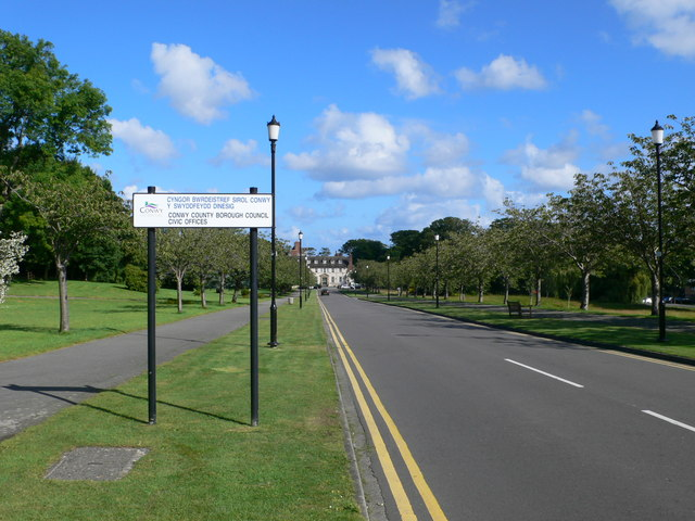 Road to the Civic Offices, Colwyn Bay
