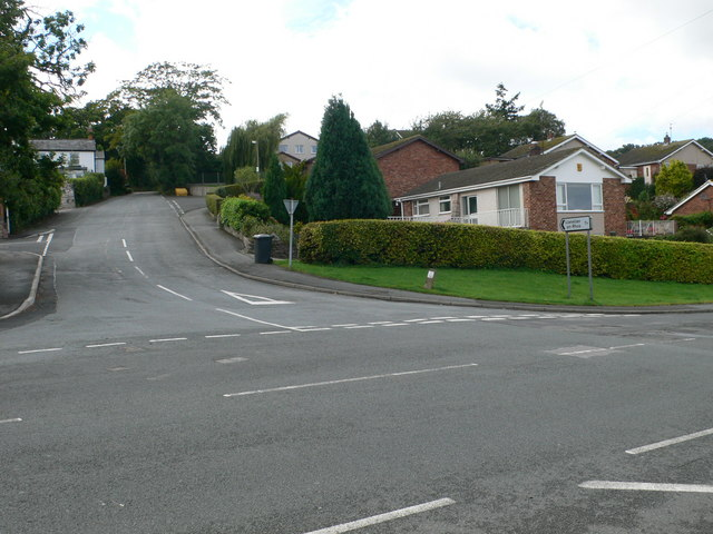Road junction , Dolwen Road and Llanelian Road