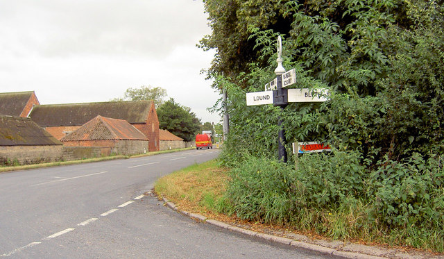 Signpost on the Great North Road at Torworth.