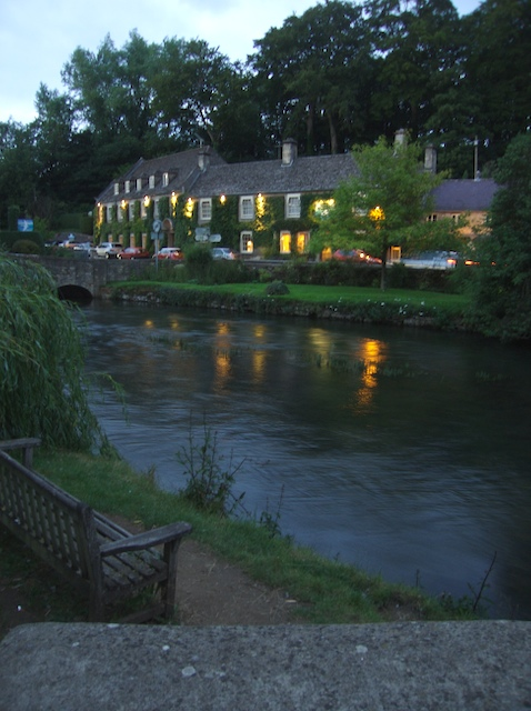 Swan Hotel by the River Coln