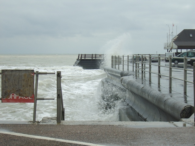 Broadstairs harbour wall
