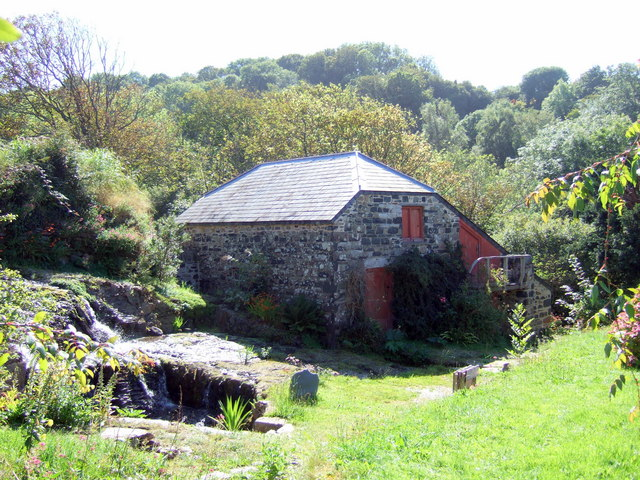Old mill at Hescwm