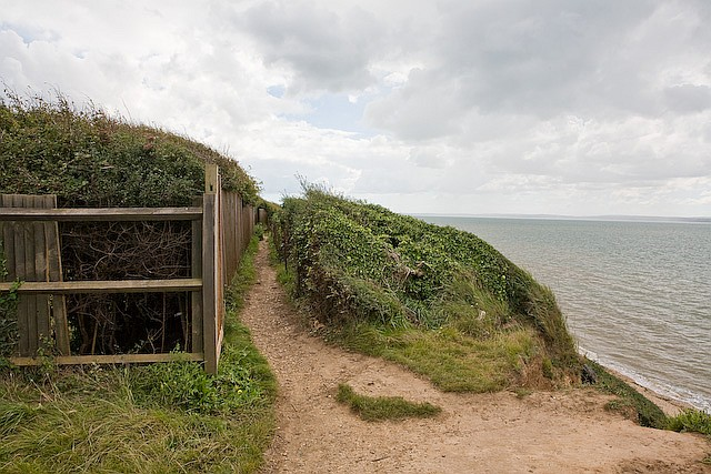 Footpath running in front of Cliff Cottage