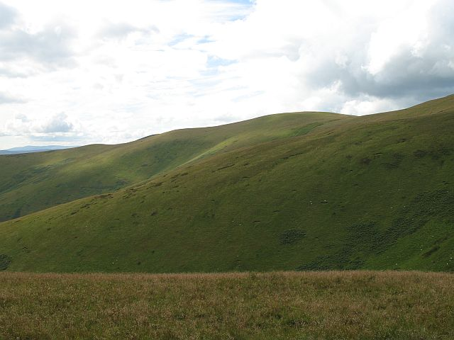 Windlestraw Law, South top