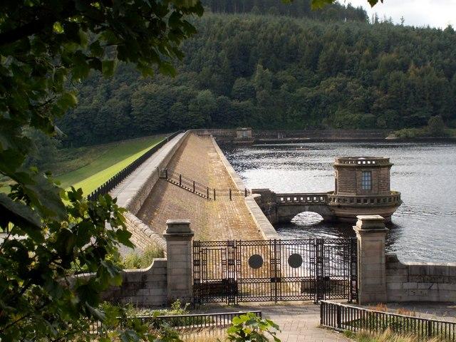 Ladybower Reservoir  Dam Head Wall