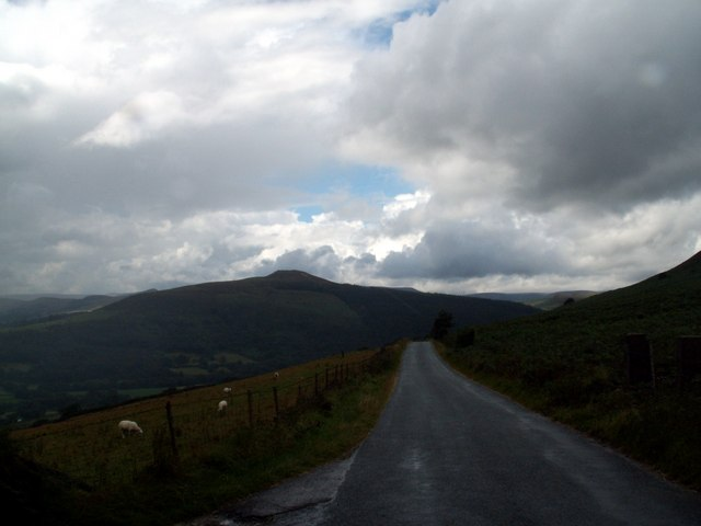 New Road looking to Win Hill