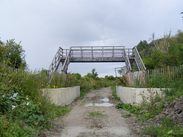 Wendover Arm, new footbridge no 4A