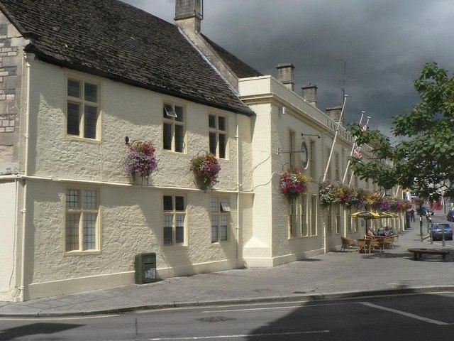 Calne: Lansdowne Strand Hotel