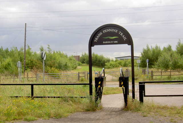 Gate ontoTrans Pennine Trail near Brampton.